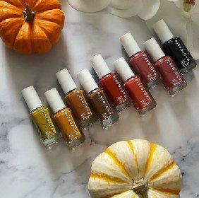 https://www.ragusanews.com//immagini_articoli/18-11-2020/unghie-e-colori-le-tendenze-dell-autunno-2020-280.jpg