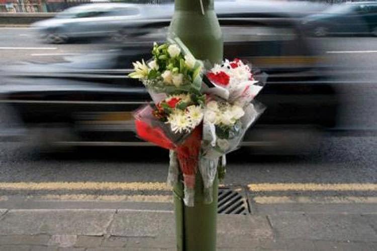 http://www.ragusanews.com//immagini_articoli/18-12-2014/incidente-muore-23enne-ferito-vittoriese-500.jpg