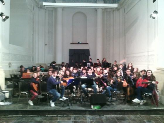https://www.ragusanews.com//immagini_articoli/18-12-2016/orchestra-del-guastella-concerto-di-natale-420.jpg