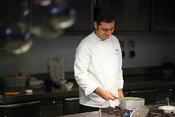 http://www.ragusanews.com//immagini_articoli/18-12-2017/capodanno-poggio-menu-chef-dario-liberto-240.jpg