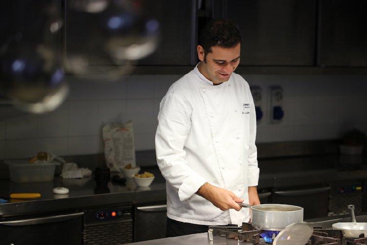 https://www.ragusanews.com//immagini_articoli/18-12-2017/capodanno-poggio-menu-chef-dario-liberto-500.jpg