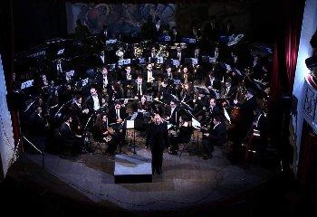 http://www.ragusanews.com//immagini_articoli/18-12-2017/modica-english-tales-concerto-natale-teatro-garibaldi-240.jpg