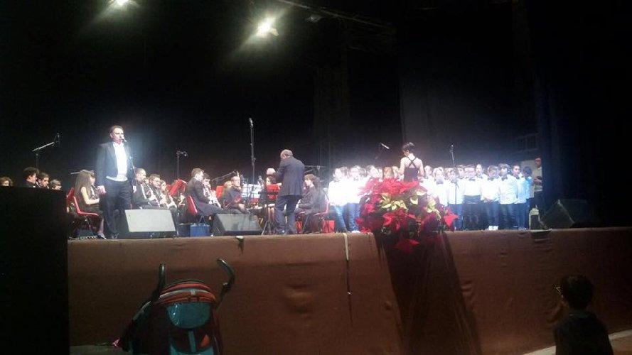 https://www.ragusanews.com//immagini_articoli/18-12-2017/ragusa-niente-finanziamento-concerto-natale-teatro-tenda-500.jpg