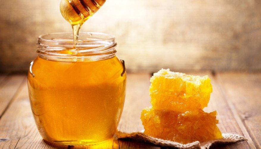 https://www.ragusanews.com//immagini_articoli/18-12-2020/mangiare-il-miele-prima-di-andare-a-dormire-aiuta-a-combattere-lo-stress-500.jpg