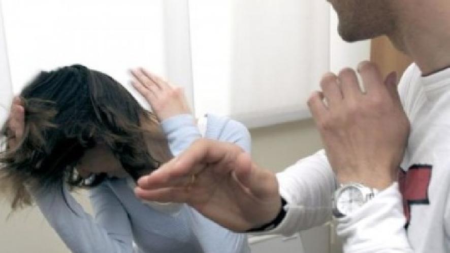 http://www.ragusanews.com//immagini_articoli/19-01-2016/marito-violento-denunciato-dalla-polizia-500.jpg