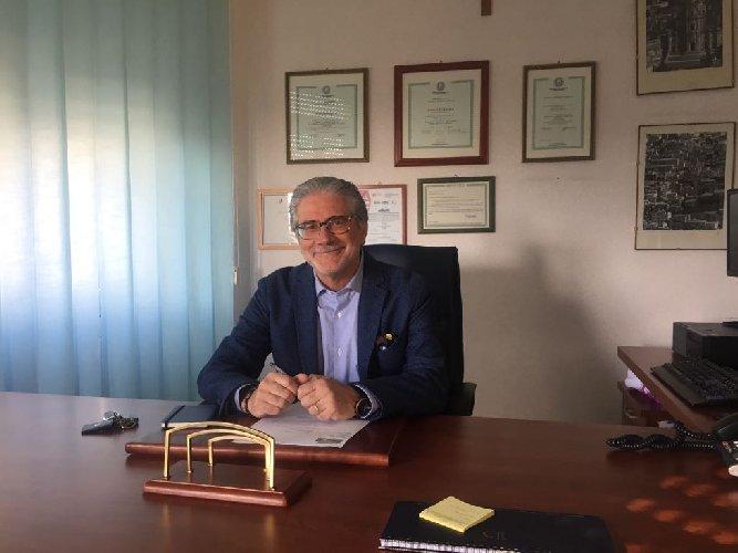 https://www.ragusanews.com//immagini_articoli/19-01-2018/dottor-pasquale-granata-direttore-distretto-sanitario-ragusa-500.jpg