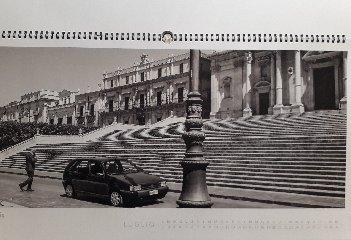 https://www.ragusanews.com//immagini_articoli/19-01-2019/1547908592-calendario-sicilia-moderna-contemporanea-1-240.jpg