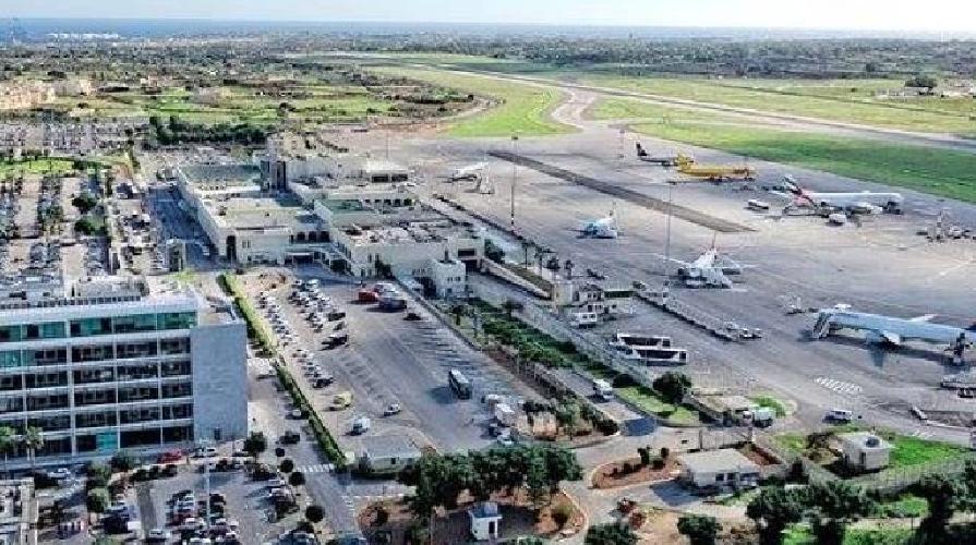 https://www.ragusanews.com//immagini_articoli/19-01-2019/aerei-scontrano-malta-500.png