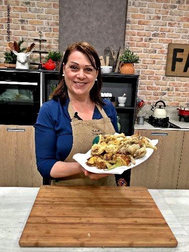 https://www.ragusanews.com//immagini_articoli/19-01-2020/1579433439-due-chiacchiere-in-cucina-con-sonia-peronaci-1-500.jpg