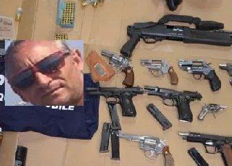 https://www.ragusanews.com//immagini_articoli/19-01-2020/4-anni-all-uomo-che-teneva-le-armi-garage-240.jpg