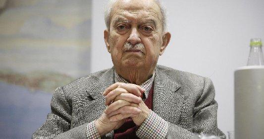 https://www.ragusanews.com//immagini_articoli/19-01-2021/e-morto-emanuele-macaluso-storico-esponente-del-pci-280.jpg