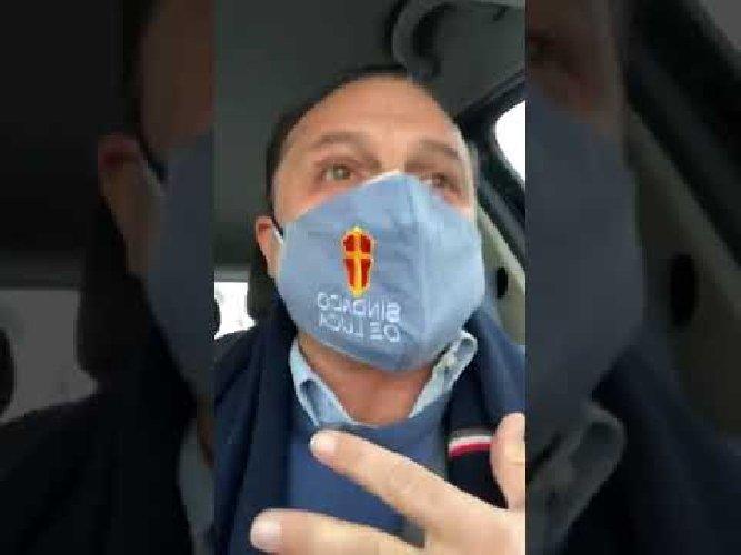 https://www.ragusanews.com//immagini_articoli/19-01-2021/il-sindaco-di-messina-de-luca-non-guidavo-io-500.jpg