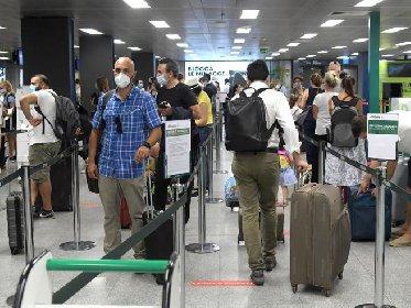 https://www.ragusanews.com//immagini_articoli/19-01-2021/spostamenti-sicilia-arrivi-estero-regole-tampone-rapido-quarantena-280.jpg