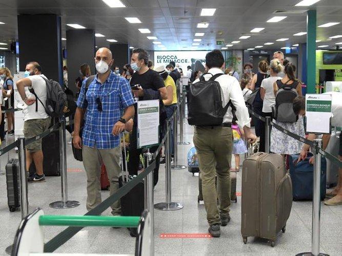 https://www.ragusanews.com//immagini_articoli/19-01-2021/spostamenti-sicilia-arrivi-estero-regole-tampone-rapido-quarantena-500.jpg