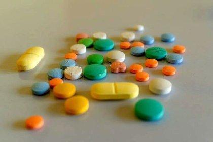 https://www.ragusanews.com//immagini_articoli/19-01-2021/un-vecchio-farmaco-gia-in-commercio-puo-essere-una-speranza-contro-il-covid-280.jpg
