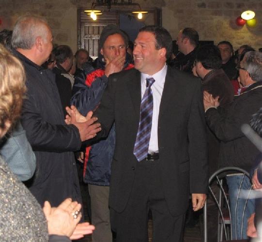 http://www.ragusanews.com//immagini_articoli/19-02-2014/pippo-barone-si-alla-sfiducia-al-sindaco-rustico-500.jpg
