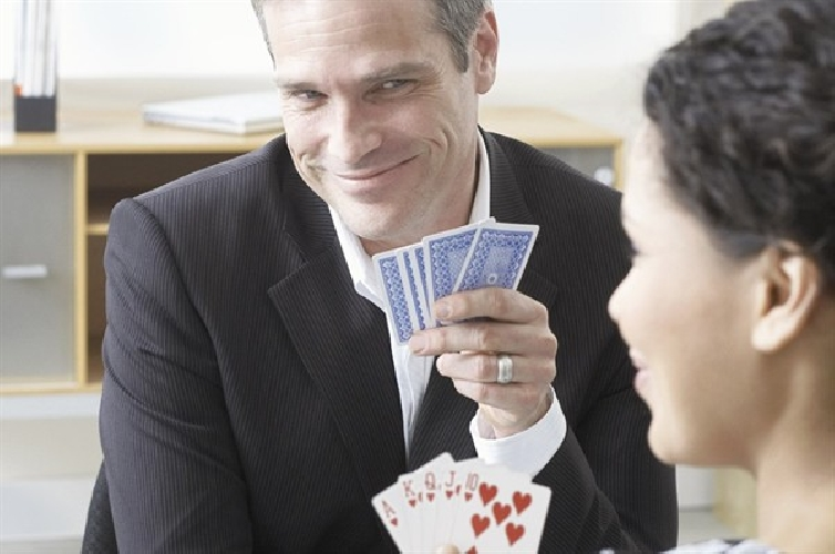 http://www.ragusanews.com//immagini_articoli/19-02-2014/sonia-concorsi-piccitto-cambia-le-carte-in-tavola-500.jpg