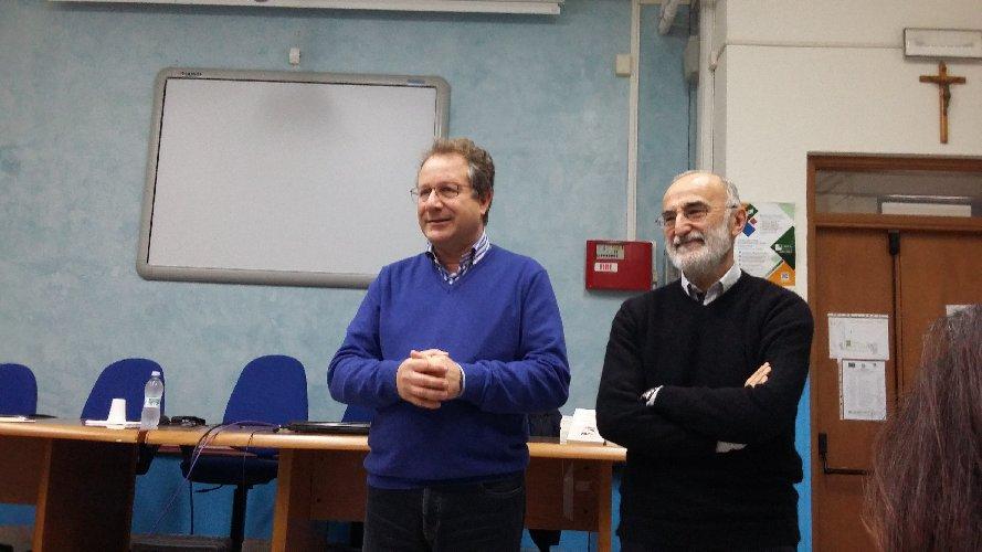 https://www.ragusanews.com//immagini_articoli/19-02-2018/critico-letterario-giovanni-tesio-istituto-curcio-ispica-500.jpg