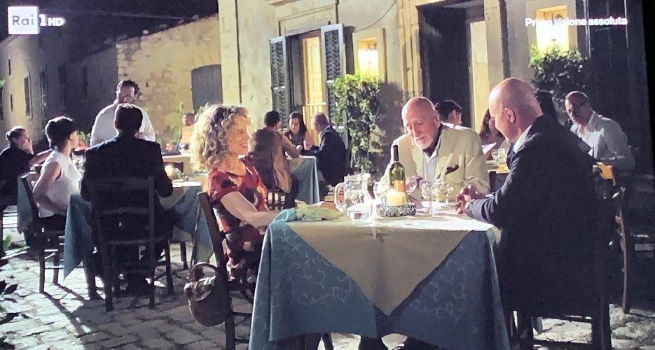https://www.ragusanews.com//immagini_articoli/19-02-2019/montalbano-spettacolo-quel-ristorante-sampieri-500.jpg