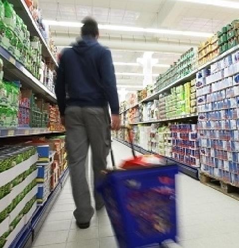 http://www.ragusanews.com//immagini_articoli/19-03-2014/ladro-extracomunitario-in-un-supermarket-espulso-500.jpg