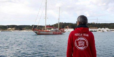 https://www.ragusanews.com//immagini_articoli/19-03-2018/pozzallo-ammatuna-sequestro-nave-spagnola-240.jpg