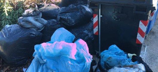 https://www.ragusanews.com//immagini_articoli/19-03-2018/rifiuti-abbandonati-modica-sanzionate-persone-240.jpg