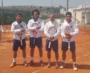http://www.ragusanews.com//immagini_articoli/19-04-2015/prima-vittoria-casalinga-per-il-tennis-club-ispica-240.jpg