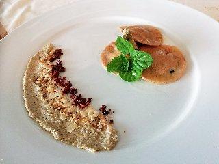 https://www.ragusanews.com//immagini_articoli/19-04-2018/1524155463-splash-giuseppe-aristia-vince-concorso-gastronomico-primi-foto-2-240.jpg