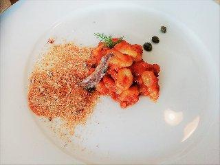 https://www.ragusanews.com//immagini_articoli/19-04-2018/1524155463-splash-giuseppe-aristia-vince-concorso-gastronomico-primi-foto-3-240.jpg