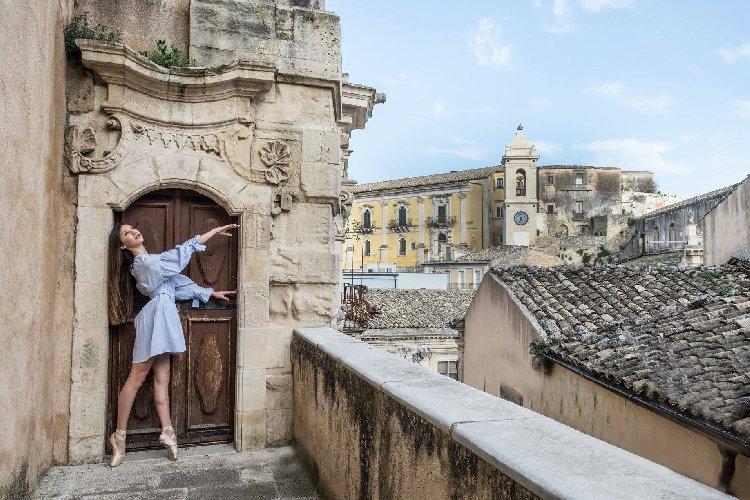 https://www.ragusanews.com//immagini_articoli/19-04-2019/la-danza-protagonista-a-ragusa-500.jpg