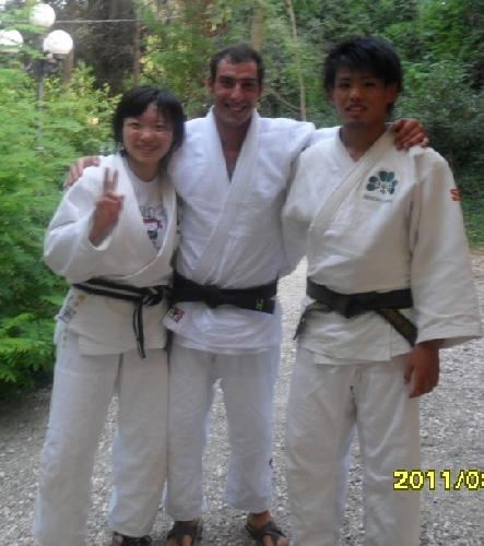 https://www.ragusanews.com//immagini_articoli/19-05-2012/judo-daniele-alfano-si-allena-in-giappone-500.jpg