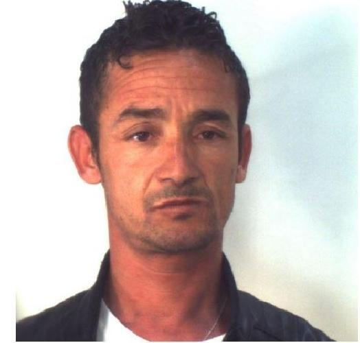 http://www.ragusanews.com//immagini_articoli/19-05-2017/nascondevano-droga-tapparelle-arresti-santa-croce-500.jpg