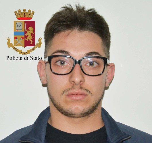 https://www.ragusanews.com//immagini_articoli/19-05-2018/ragusa-presa-banda-spaccate-500.jpg