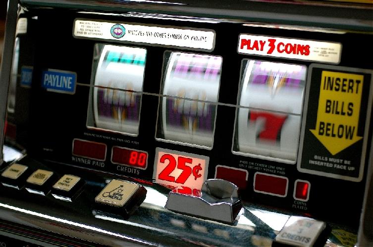https://www.ragusanews.com//immagini_articoli/19-06-2014/le-slot-machine-non-si-possono-taroccare-i-segreti-del-random-number-generator-500.jpg