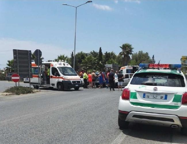 http://www.ragusanews.com//immagini_articoli/19-06-2017/sette-feriti-incidente-stradale-scoglitti-santa-croce-500.jpg