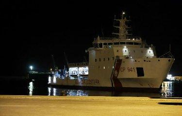 https://www.ragusanews.com//immagini_articoli/19-06-2018/nave-diciotti-giunta-pozzallo-sindaco-informati-ritardo-240.jpg