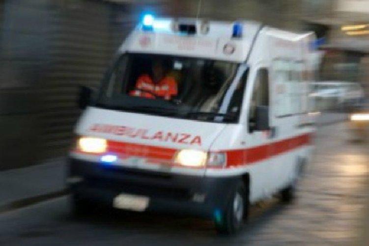https://www.ragusanews.com//immagini_articoli/19-06-2019/incidente-lungo-la-vecchia-pozzallo-modica-500.jpg