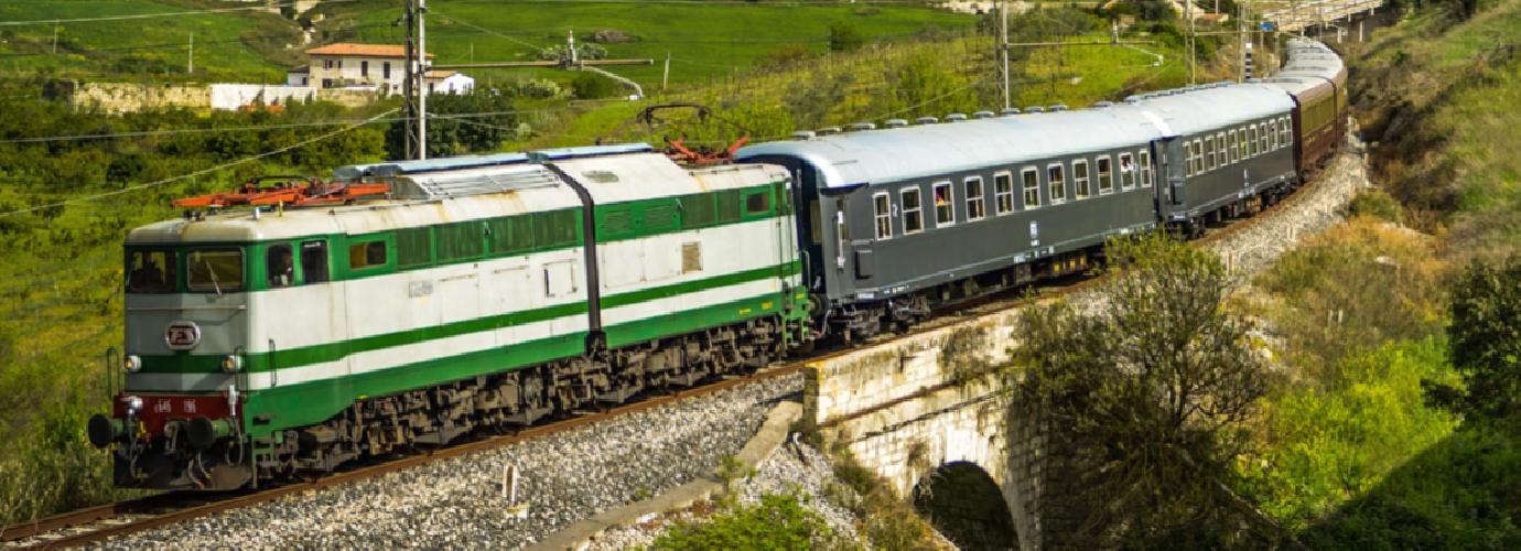 https://www.ragusanews.com//immagini_articoli/19-06-2019/treno-storico-da-palermo-a-petralia-sottana-gangi-e-sperlinga-500.png
