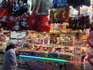 https://www.ragusanews.com//immagini_articoli/19-07-2018/marina-ragusa-sequestrati-giocattoli-bancarella-240.jpg