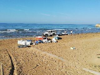 https://www.ragusanews.com//immagini_articoli/19-07-2019/1563549418-a-porto-ulisse-uno-stabilimento-balneare-abusivo-1-240.jpg