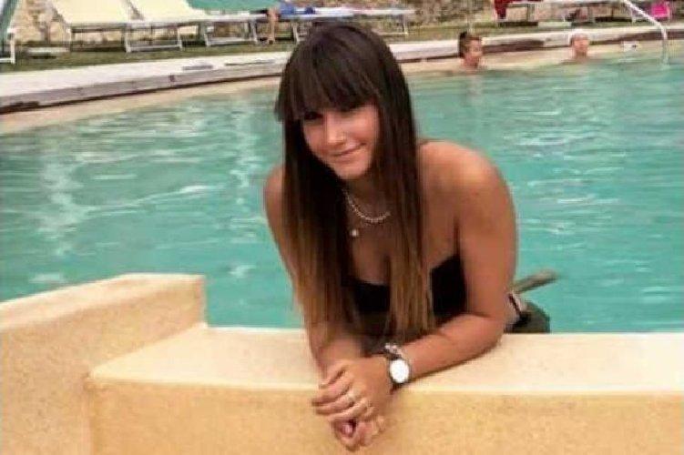 https://www.ragusanews.com//immagini_articoli/19-07-2019/1563554435-muore-di-meningite-la-figlia-17enne-ex-portiere-modica-1-500.jpg