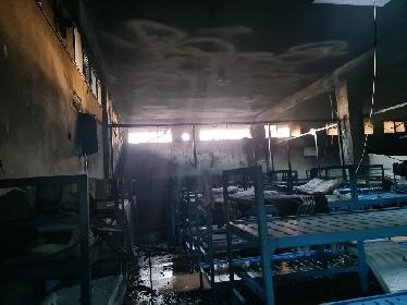https://www.ragusanews.com//immagini_articoli/19-07-2021/incendio-all-hotspot-di-pozzallo-7-su-36-sono-stati-riacciuffati-280.jpg