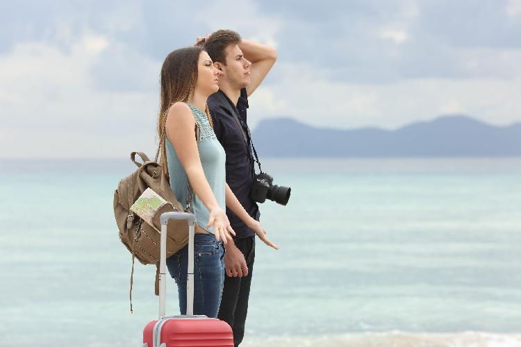 https://www.ragusanews.com//immagini_articoli/19-07-2021/paura-covid-tutti-fermi-vacanze-finite-per-mezza-italia-o-mai-cominciate-500.jpg