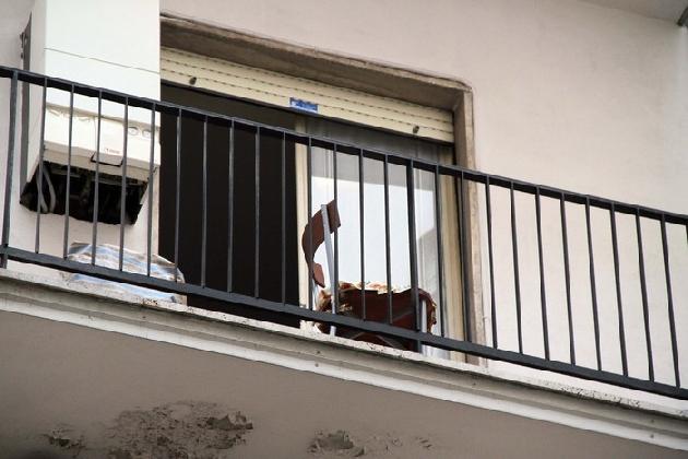 http://www.ragusanews.com//immagini_articoli/19-08-2016/miracolata-la-bimba-caduta-dal-balcone-420.jpg