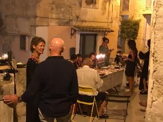 http://www.ragusanews.com//immagini_articoli/19-08-2017/bologna-chiama-ragusa-risponde-240.jpg