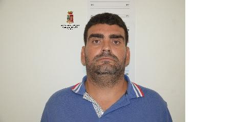 http://www.ragusanews.com//immagini_articoli/19-08-2017/modica-furti-abitazione-arrestati-albanesi-240.jpg