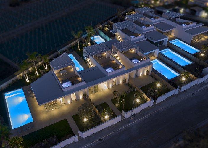 https://www.ragusanews.com//immagini_articoli/19-08-2019/a-marina-di-ragusa-villas-don-serafino-500.jpg