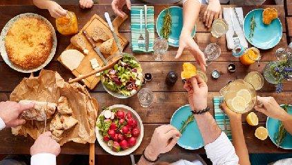 https://www.ragusanews.com//immagini_articoli/19-08-2019/la-dieta-dott-mozzi-per-gruppo-sanguigno-240.jpg