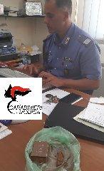 https://www.ragusanews.com//immagini_articoli/19-08-2019/litigano-in-piazza-arrivano-i-carabinieri-e-li-arrestano-con-la-droga-240.jpg