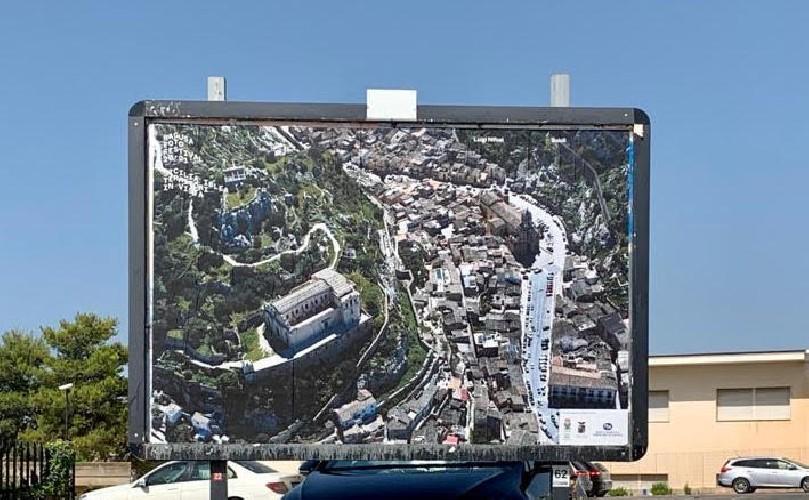 https://www.ragusanews.com//immagini_articoli/19-08-2020/sicilia-iblea-una-mostra-diffusa-500.jpg